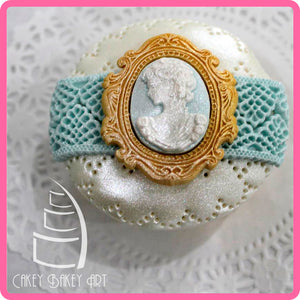 CD - An idea using the Victoria Lace Border 3/4 inch Silicone Mold product