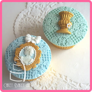 CD - An idea using the Oval Cameo & Oval Frame 2 Silicone Mold product