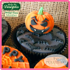 CD - An idea using the Pumpkin Face Silicone Mold product