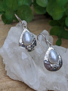 Pearl Hammered Silver Teardrop Earrings - Nature's Magick