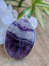 Fluorite purple clear oval pendant
