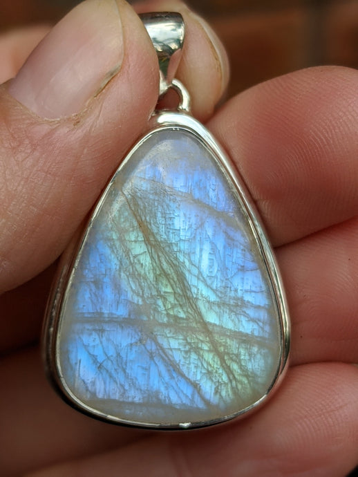 Moonstone triangle pendant 13g