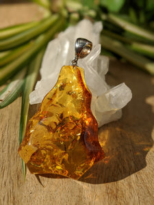 Genuine Baltic Honey Amber large flame pendant 21g