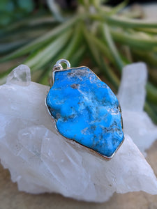 "Arizona ""Sleeping Beauty"" Turquoise pendant 8g"