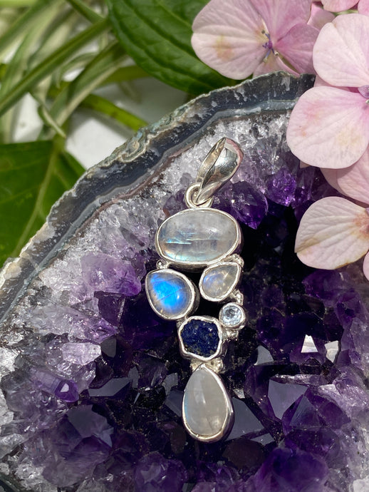 Moonstone multi pendant with azurite and blue topaz 6g