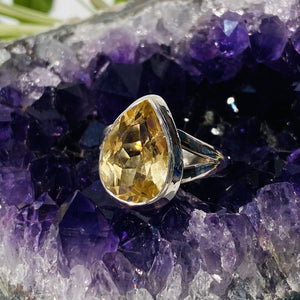 Citrine Teardrop faceted ring with split band s.6 KRGJ443