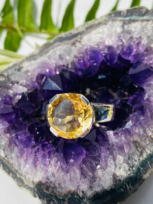 Citrine faceted circular ring with split band s.10.5 KRGJ926