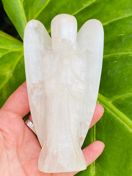 Selenite  Angel Carving  AE007