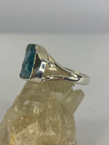 Blue Apatite raw ring with split band s.6