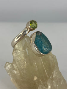 Blue Apatite and Peridot ring s.8