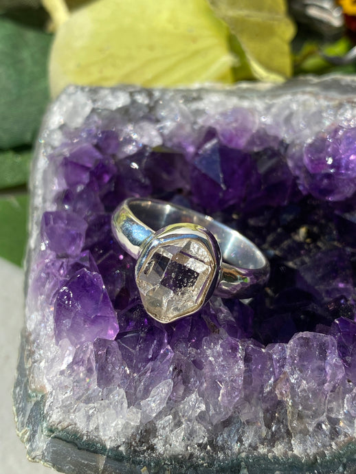 Herkimer Diamond quartz small stone ring s.8.5 PRGJ183