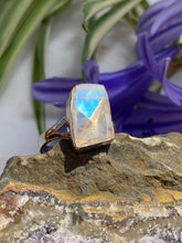 Moonstone faceted rectangle fine split band ring s.8