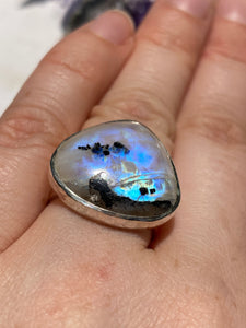 Moonstone and Black tourmaline teardrop beaten band ring s.6.5-s.7