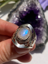 Moonstone oval cabochon filagree band ring s.9