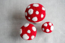 Maker Magpie Felt Kit- Toadstool