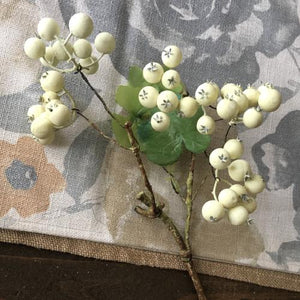White Berry Spray