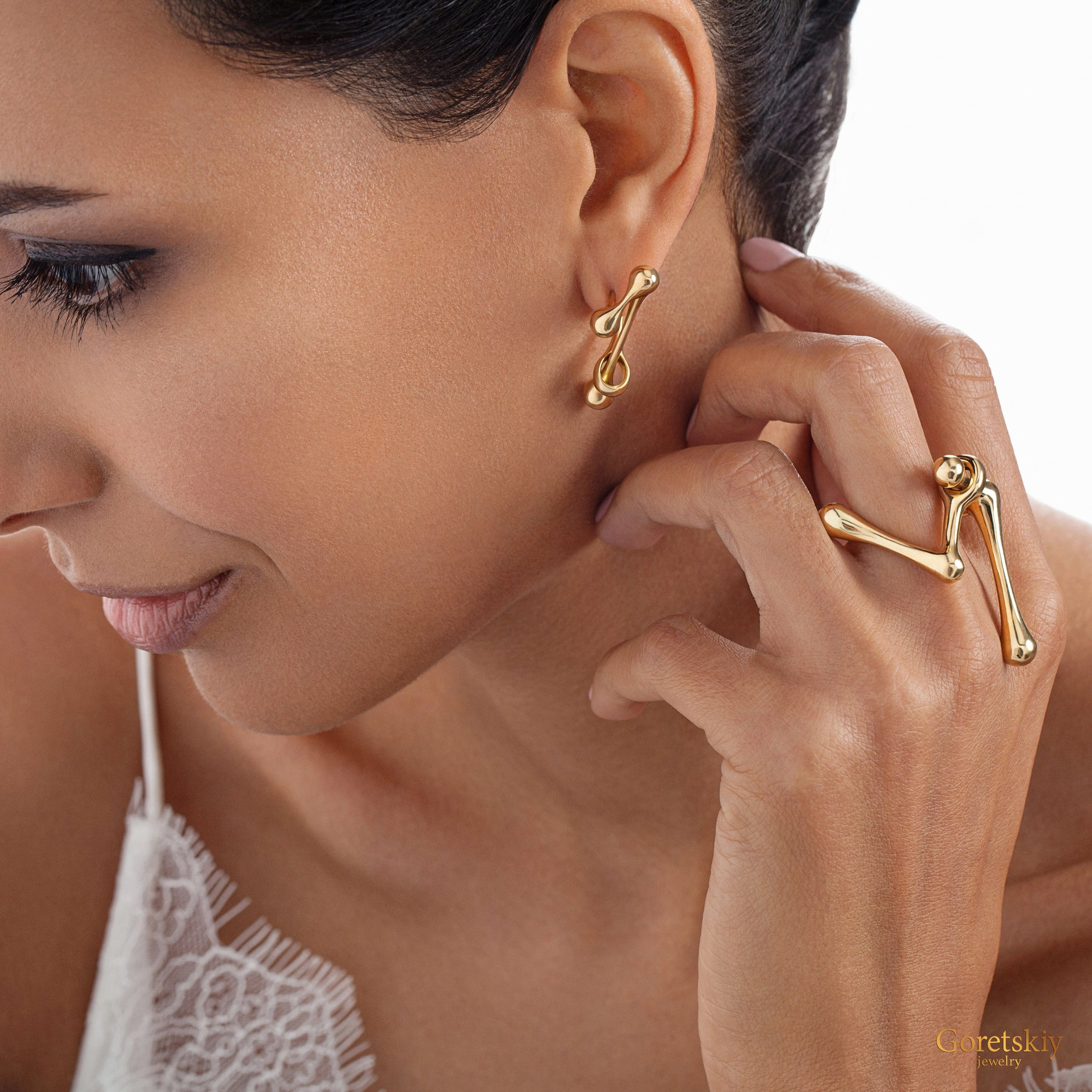 DNA Solid Complex Earrings on Model