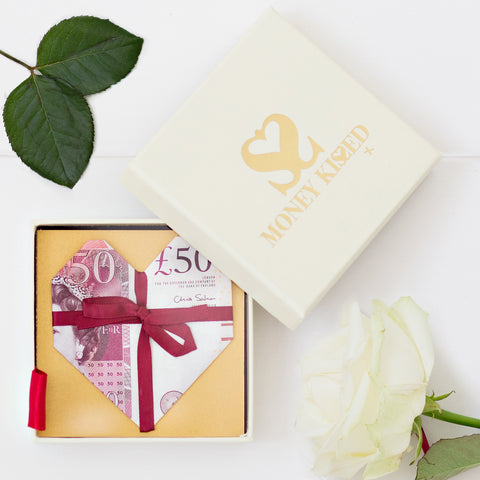 £50 money gift for Valentine's day by Money Kissed