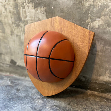 Trofeo de basquetball de resina y madera / Resin and wood trophy