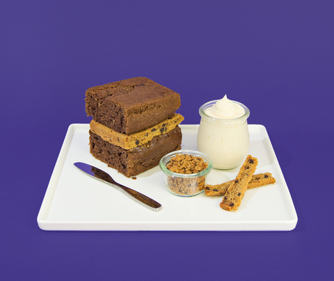 Peanut Butter Mini Cake Kit from Liteful Foods