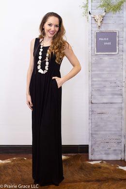 Amherst Maxi Dress || Black