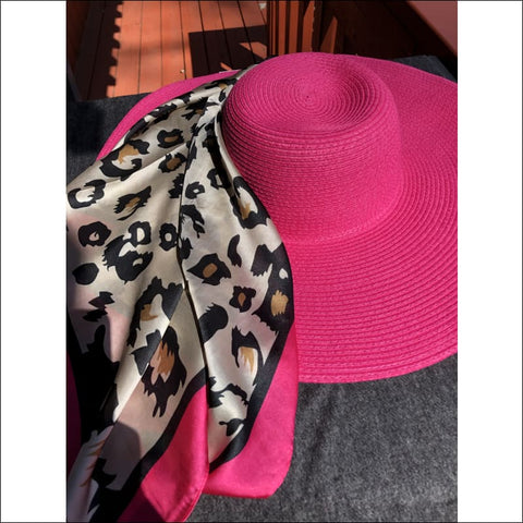 Animal attraction Gift Set (pink) - hat and scarf