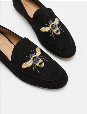 Lexington Loafers, Bee