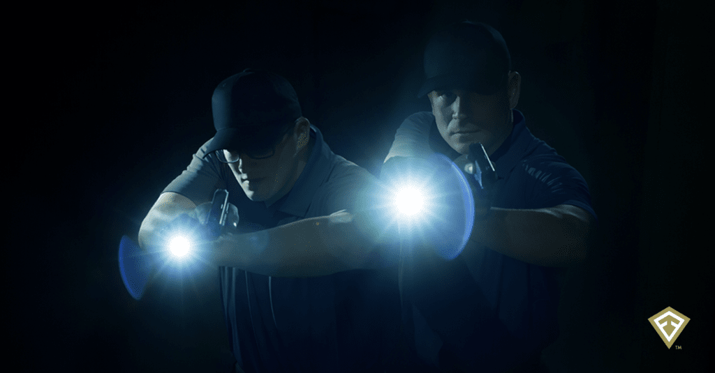 Test de produit pour la police: la lampe Small Duty de First Tactical