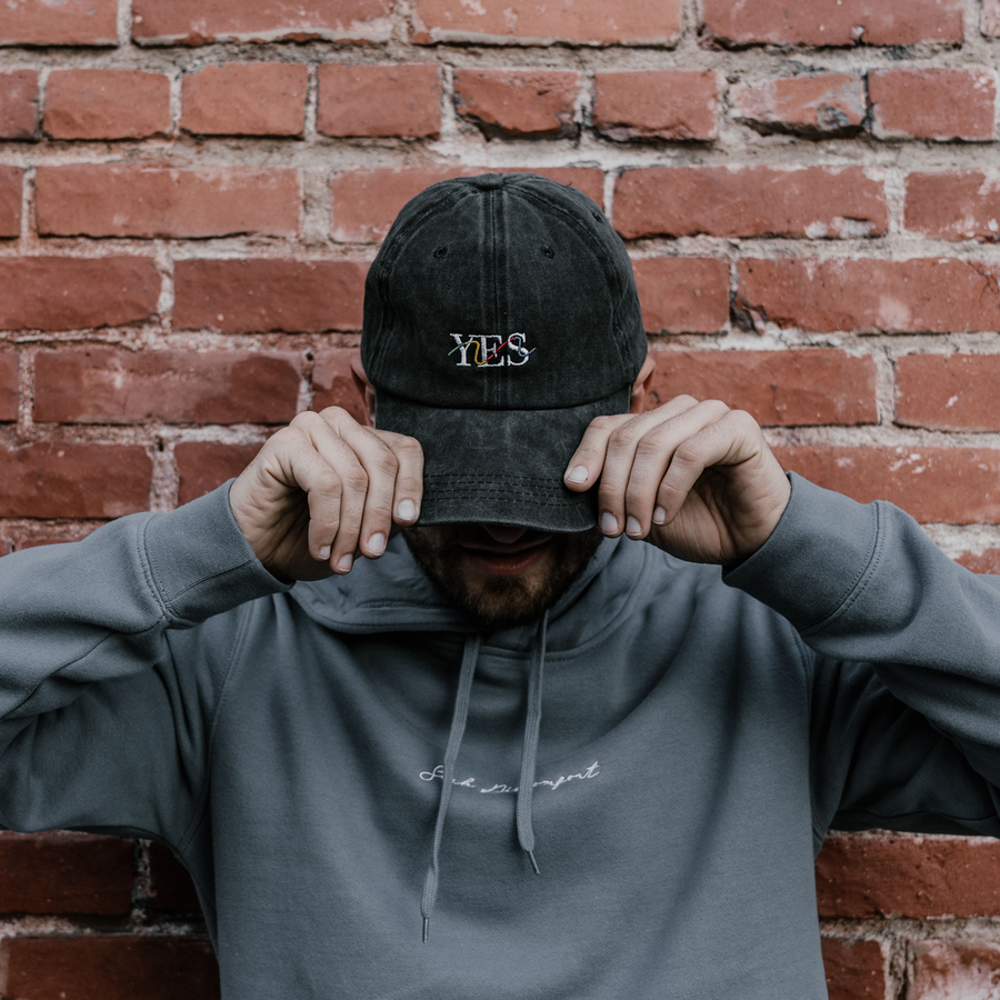 Yes Squiggly Dad Hat (Pigment Black)