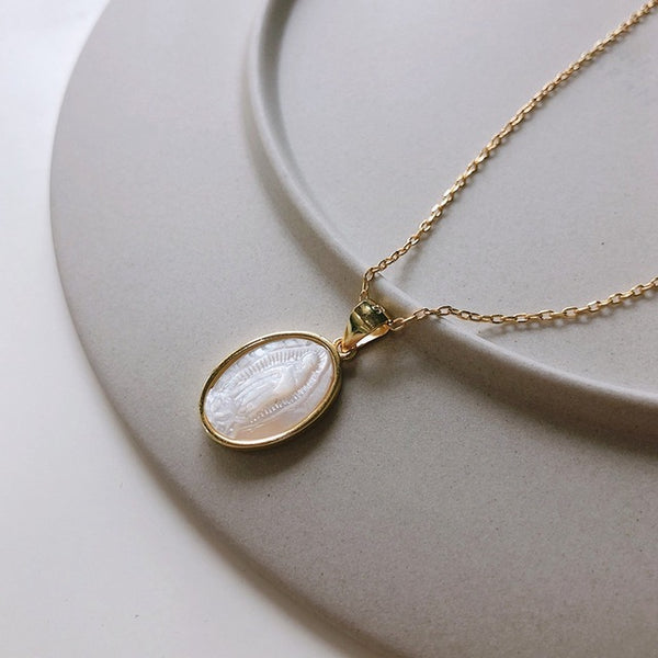 Nacre Pendant Necklace