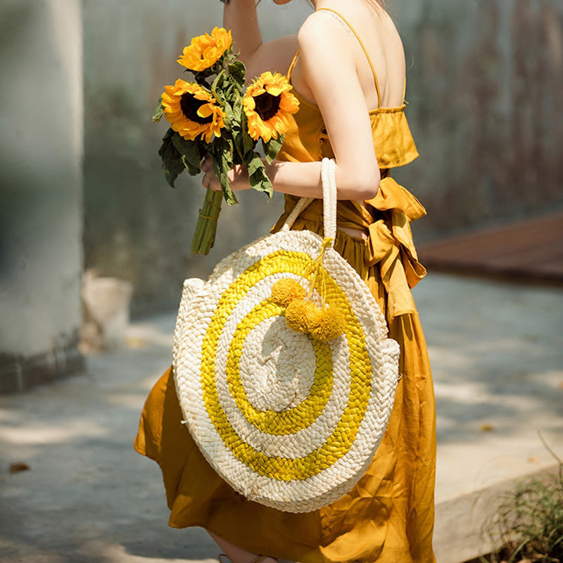 Natural/Yellow Round Straw Bag Look