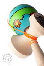 Load image into Gallery viewer, Sweets Lab – V27 Zyonks Kendama angle