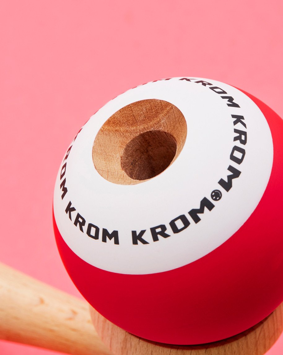 Krom POP - Red Detail
