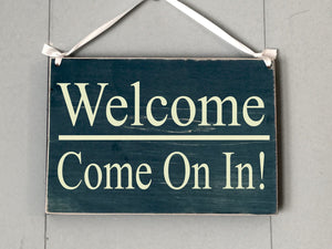 8x6 In Session Welcome Wood Sign