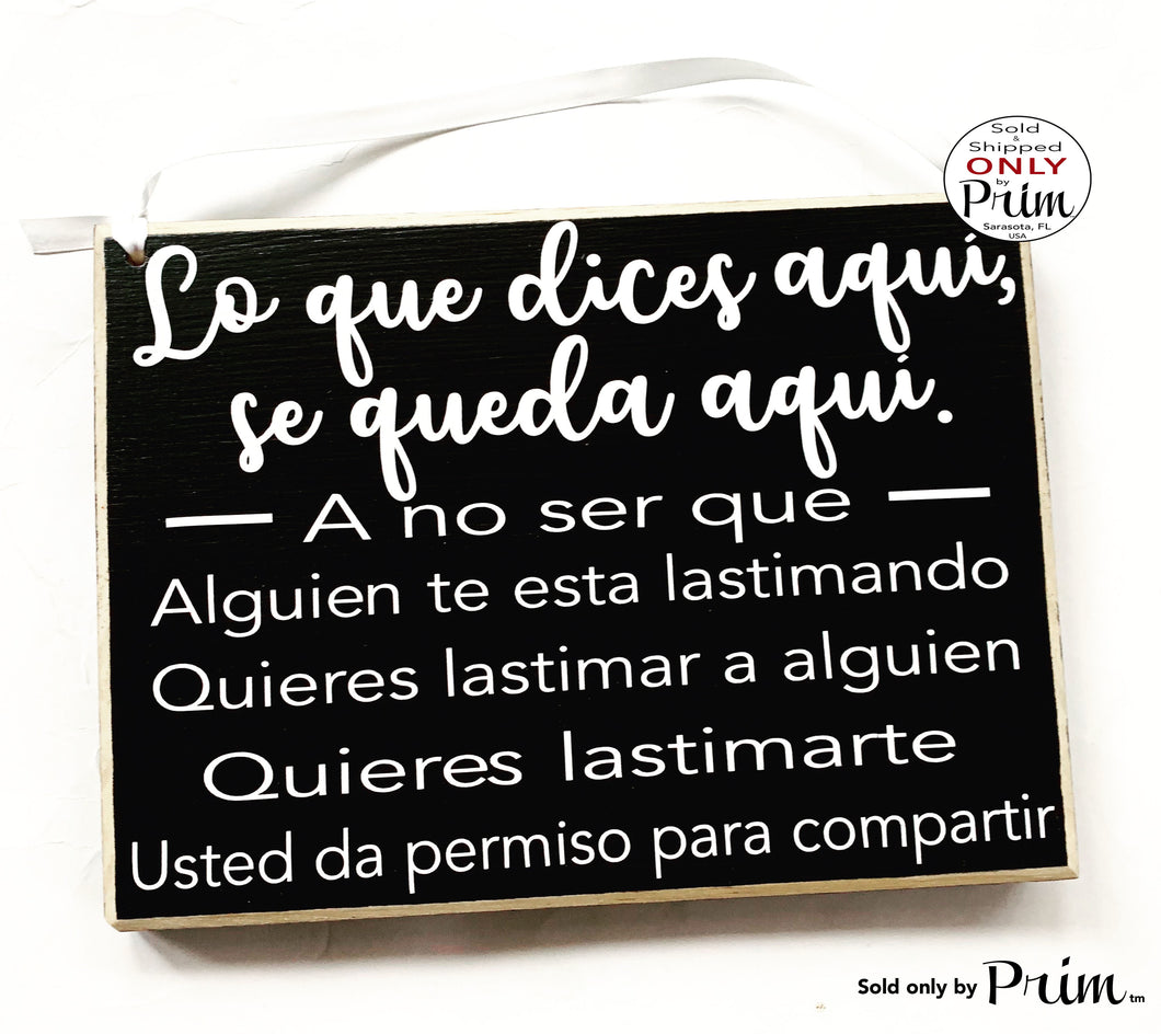 10x8 Lo que dices aquí Custom Wood Sign | What You Say Here Stays Here Spanish Therapy Counseling Confidential Wall Door Hanger Plaque
