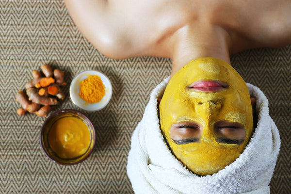 Get your skin glowing with this DIY Manuka Honey Face Mask