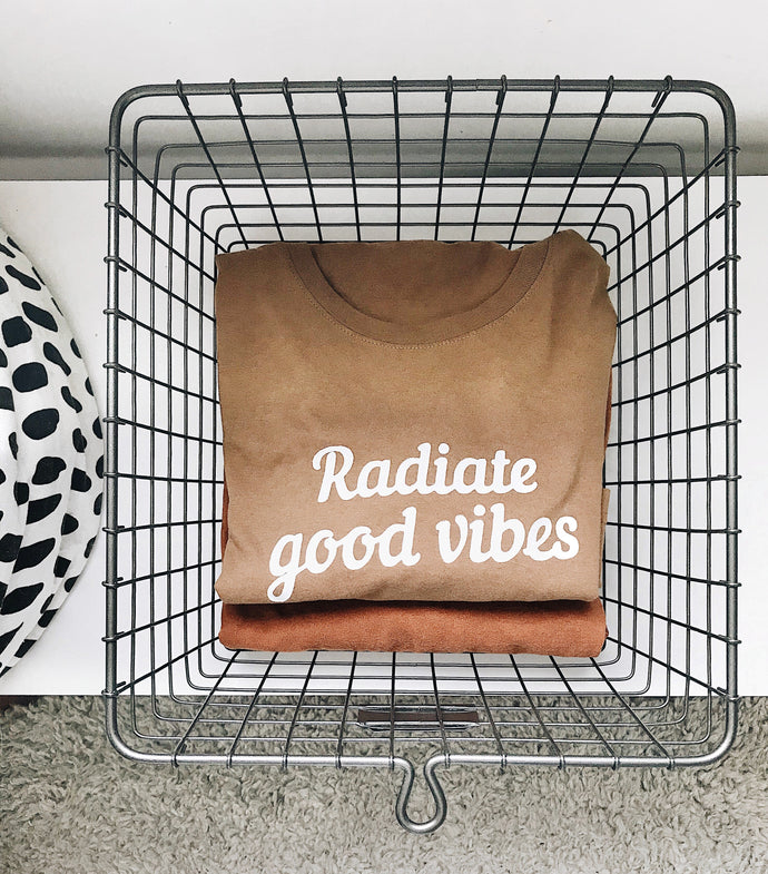Good Vibes Tee Portobello (Adults)