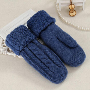 Knit Twist Flowers Mittens for Winter Offer