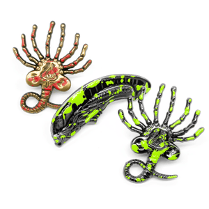 XX121 Facehugger (acid blood splatter) molded pin