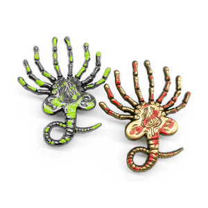 Facehugger (blood splatter) molded pin