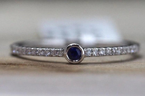 14k White Gold Round Blue Sapphire Bezel Diamond Ring FR01008