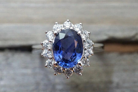 GIA CERTIFIED 18k White Gold Oval Cut Blue Sapphire Diamond Ring