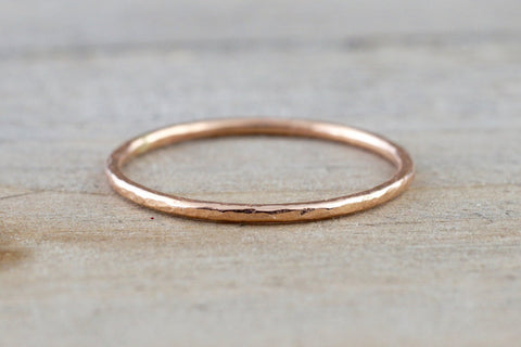14k Solid Rose Gold Thin Hammered Dainty Polish Band Promise Anniversary Fashion Ring 0.9mm