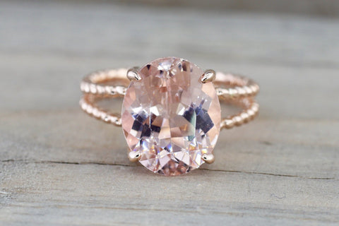 Rope Split Shank with an Oval Morganite