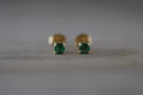 14k Solid Yellow Gold with Green Emerald Gemstone Earring Studs Post Push Back Square May Birthstone