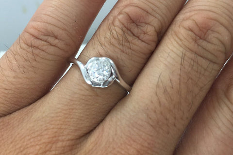 18k White Gold Twist Curve Wrapped Round Halo Diamond Engagement Promise Ring Anniversary Solitaire Classic Design