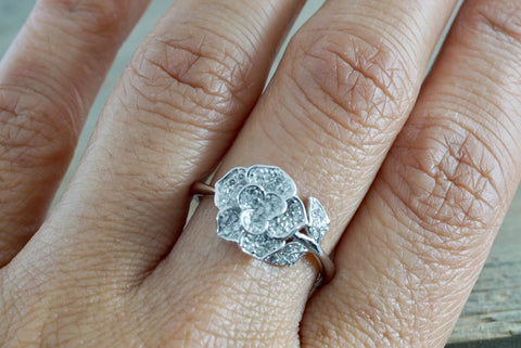 14kt White Gold Diamond Flower Petal Floral Band Promise Ring Anniversary