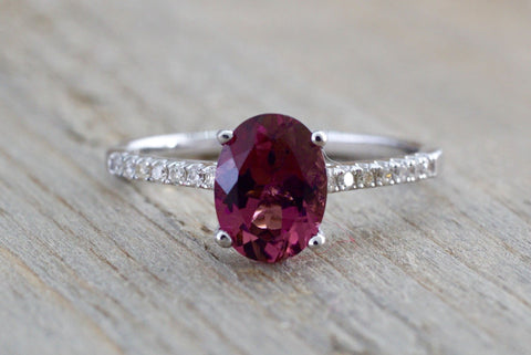 18k White Gold Oval Tourmaline and Diamond Engagement Promise Wedding Anniversary Ring Purple Pink