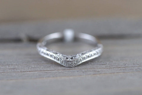 Curve Groove V 3D Pave Diamond Band
