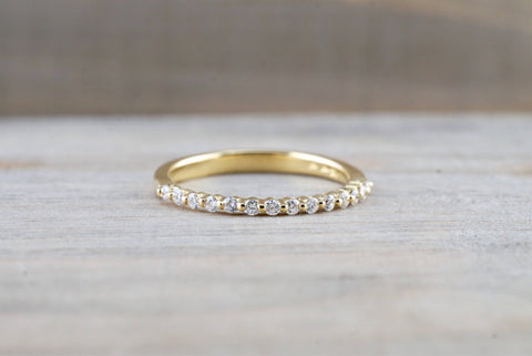 18kt Yellow Gold Shared Single Prong Diamond Band